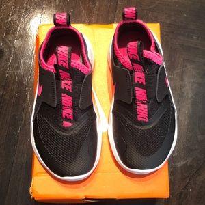 Brand New Nike Flex Runners